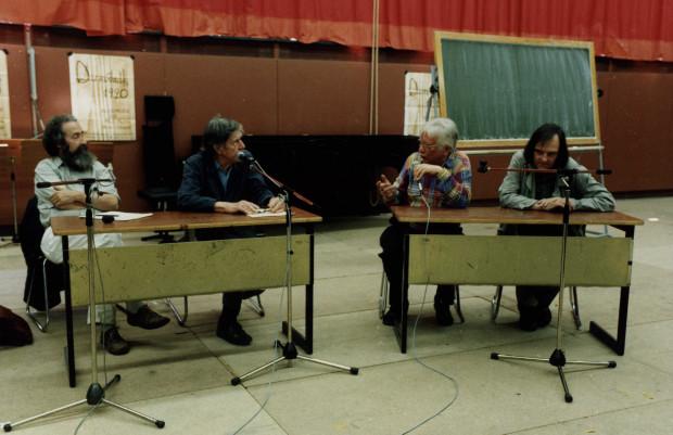 John Cage, 2. von links bei den Darmstädter Ferienkursen 1990.Foto: Manfred Melzer