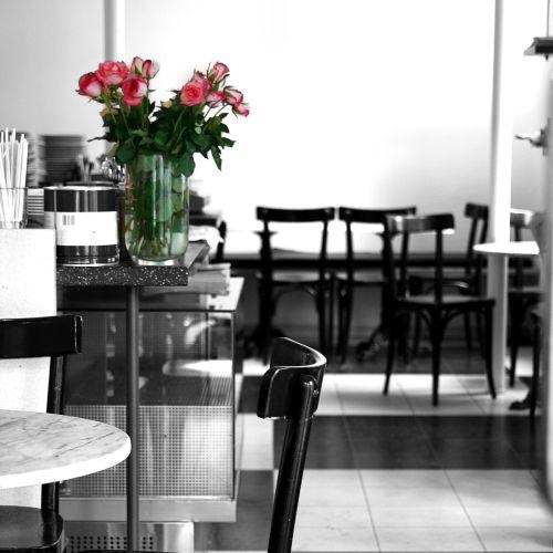 schwarz weiss caf schlossgartencaf p stadtkultur darmstadtp stadtkultur darmstadt. Black Bedroom Furniture Sets. Home Design Ideas