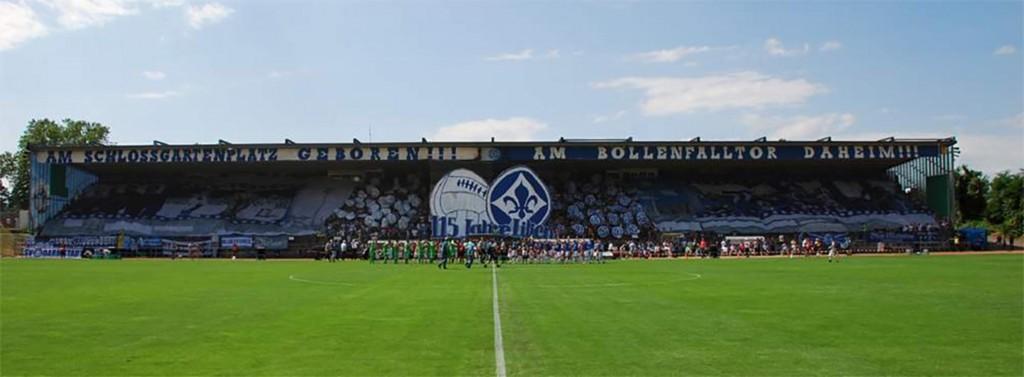 """In unseren Augen die beste Heimspiel-Choreo: 115 Jahre """"Lilien"""" (vorm Pokalmatch gegen Gladbach am 04.08.2013, Endergebnis 5:4 im Elfmeterschießen.)"""