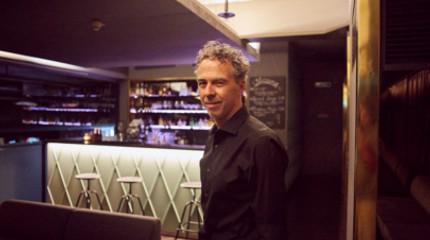 Vino & Vinyl in der Bar