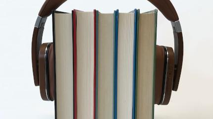 Hörbücher und Podcasts